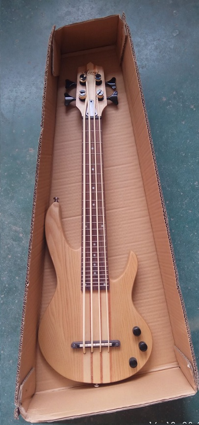 aiersi electric bass ukulele  (2)