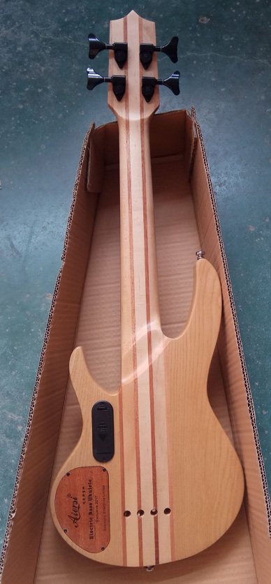 aiersi electric bass ukulele  (4)